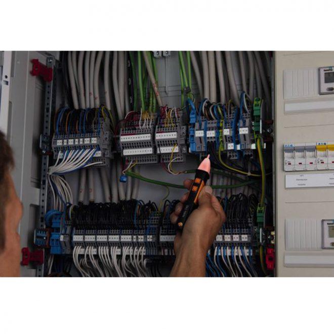 Testo-745-Non-Contact-Voltage-Tester-5