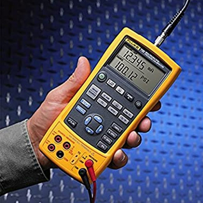 Fluke 725 Multifunction Calibrator 1
