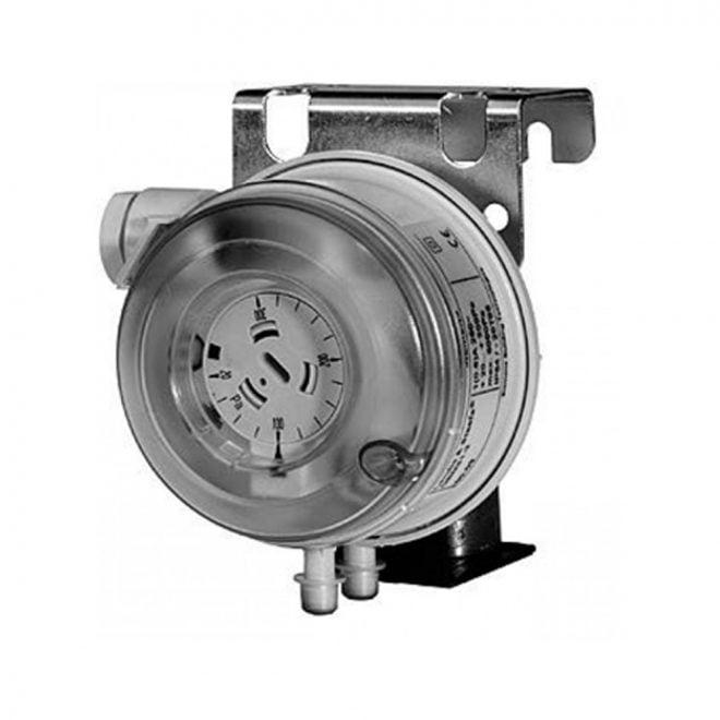 Siemens-QBM81-10-Differential-Pressure-Monitor